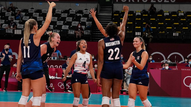 Short-handed US advances to women's volleyball semifinals