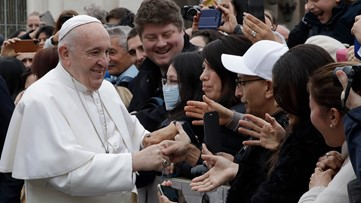 Pope observes usual Ash Wednesday customs in time of virus