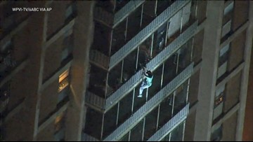 Man who climbed 19-story Philadelphia building during fire was looking for his mother