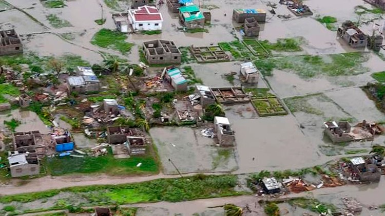 Mozambique's president says cyclone death toll may be 1,000