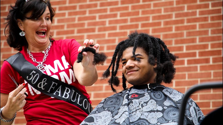 Alabama teenager donates his hair for children with cancer