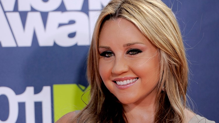 Amanda Bynes shares new photo after announcing engagement