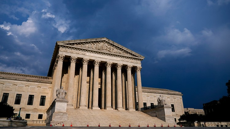 Supreme Court rules for cursing cheerleader over Snapchat post