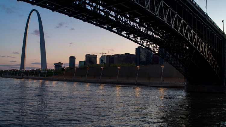 Mississippi River cities join global project to map plastic litter