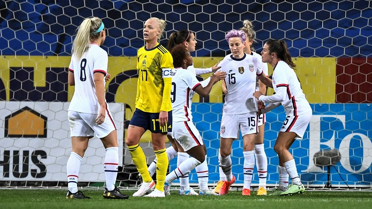 Megan Rapinoe's penalty kick gives US 1-1 draw with Sweden
