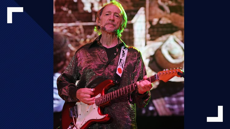 Monkees' lovable bass-guitar player Peter Tork dead at 77