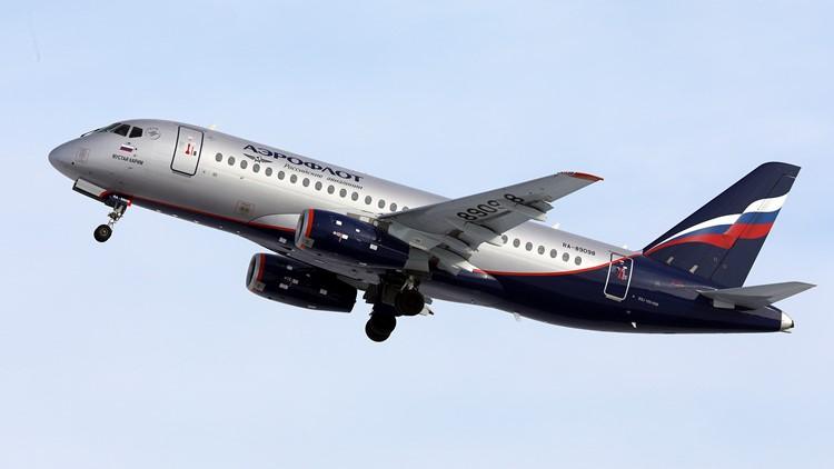 Passenger who smuggled fat cat onto plane docked 400,000 flier miles