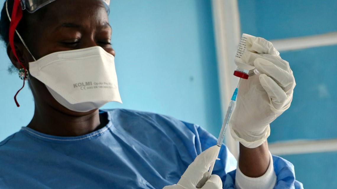 Vaccine group announces creation of Ebola vaccine stockpile