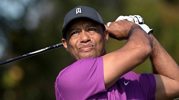 Tiger Woods posts 1st photo since SUV crash