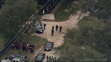 1 teen killed, 1 wounded in shooting near Lamar High School