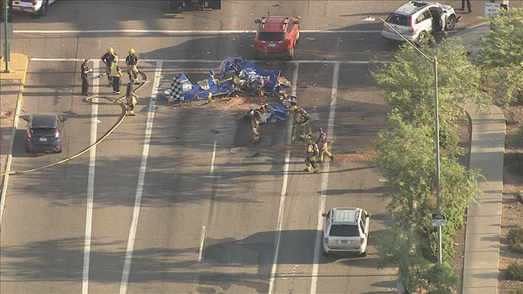 Police release names of 2 killed after plane crashes in Phoenix intersection