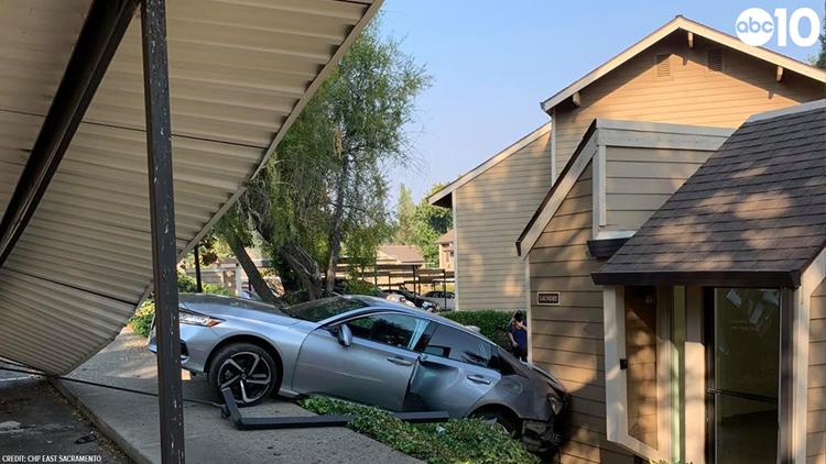 East Sacramento CHP responds to vehicle colliding into home