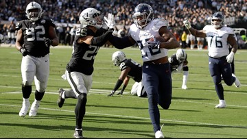 Titans win 4th straight, 42-21 over Raiders