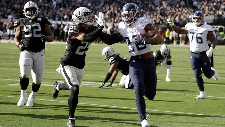 Titans win 4th straight, 42-21 over Raiders