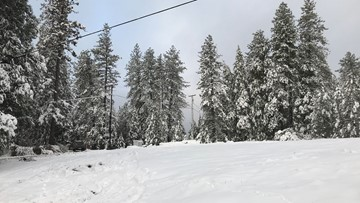 Winter storm blasts through Sierra | Latest maps, road closures, chain controls, school closures