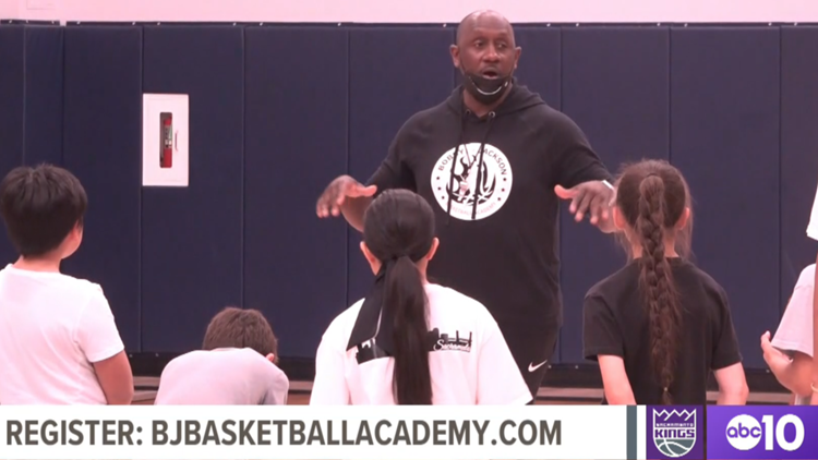 Sacramento Kings legend Bobby Jackson offering free basketball training sessions for local kids