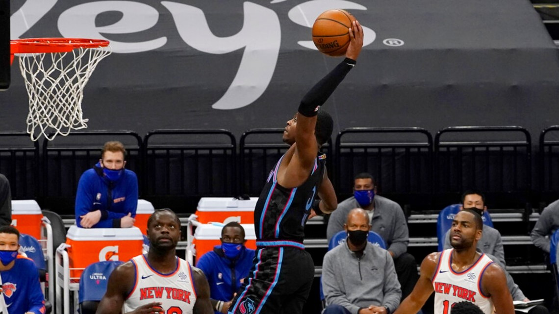 Kings overcome late cold spell to beat Knicks 103-94 | abc10.com