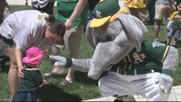 A's fans rally at state capitol to support relocation of team within Oakland