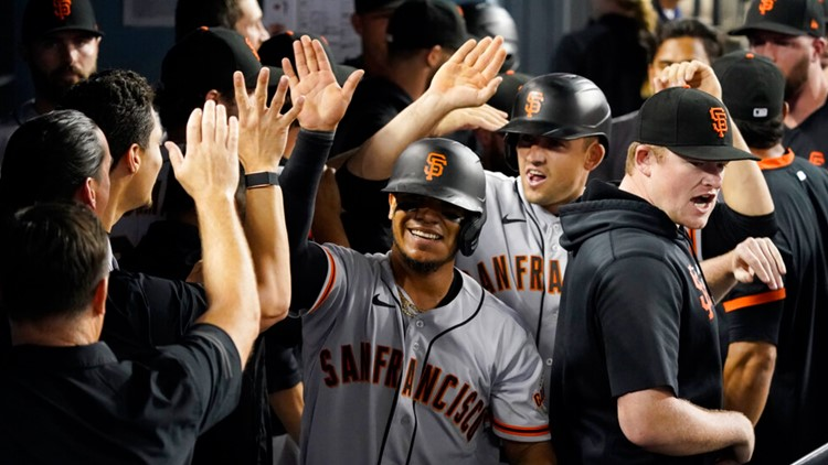 Giants rally in 9th for 2nd straight night to beat Dodgers