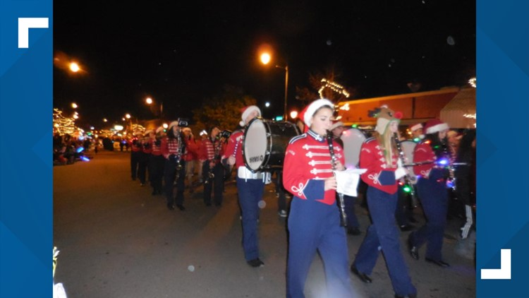 Manteca's holiday parade celebrates a 'Candyland Christmas' | Need to Know