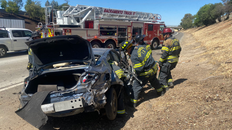 2 injured in rollover wreck on WB I-80 near Del Paso Heights