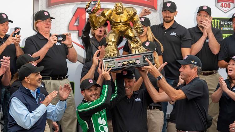 Elk Grove native Kyle Larson wins playoff to race at Dover to advance