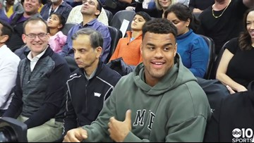 San Francisco 49ers DE Arik Armstead gets warm welcome at Sacramento Kings game