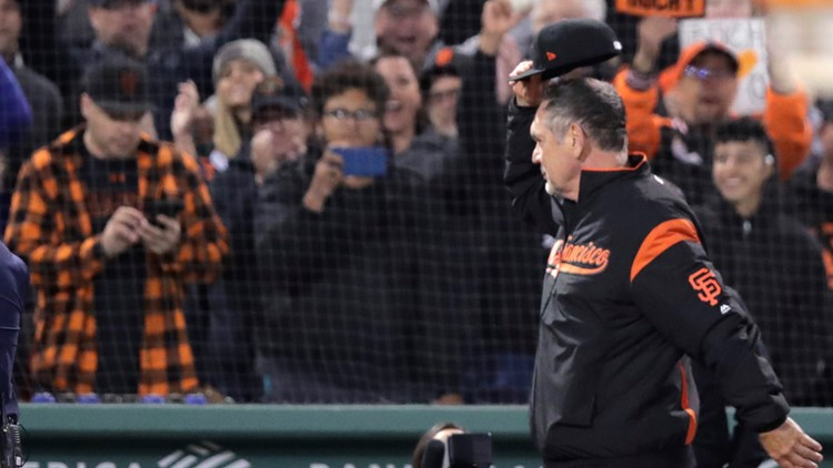 Giants rout Red Sox 11-3, giving Bruce Bochy 2,000th win