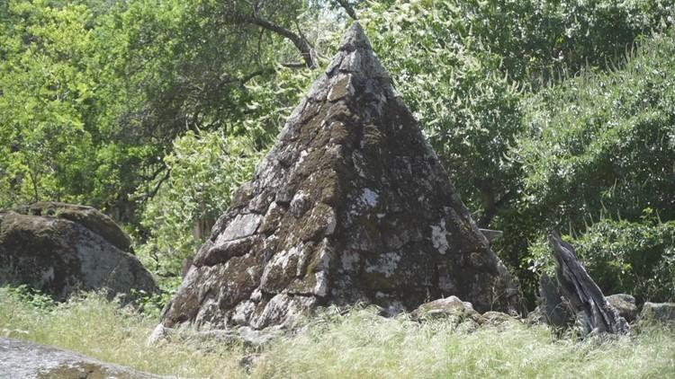 pyramid tomb_1526498195642.png.jpg