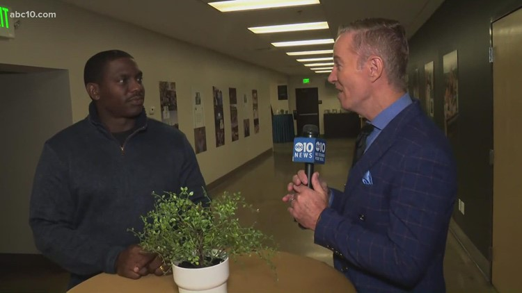 Retired 49ers player collecting candy donations for Halloween fest