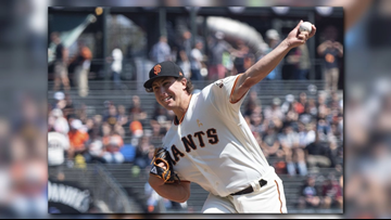Giants keep lefty Derek Holland with $7M, 1-year deal