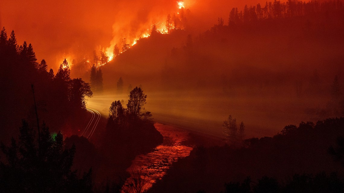 22 000 Acre Delta Fire Spurs Evacuation Warnings Keeps I
