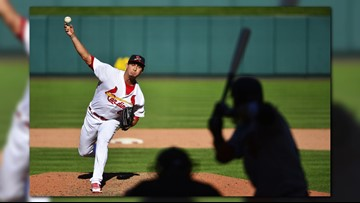 Cardinals sweep Giants with 9-2, stay on track for wild card