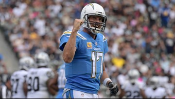 Philip Rivers throws for 339 yards, 2 TDs as Chargers beat Raiders