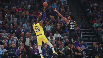 James scores 25 as Lakers use defense to top Kings 101-86
