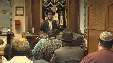 Sacramento synagogue hosts night of prayer and solidarity after Poway shooting