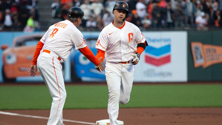 Buster Posey's 18th homer helps Giants to ninth straight win