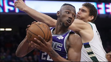 Kings forwards Ariza, Giles to miss last 2 preseason games
