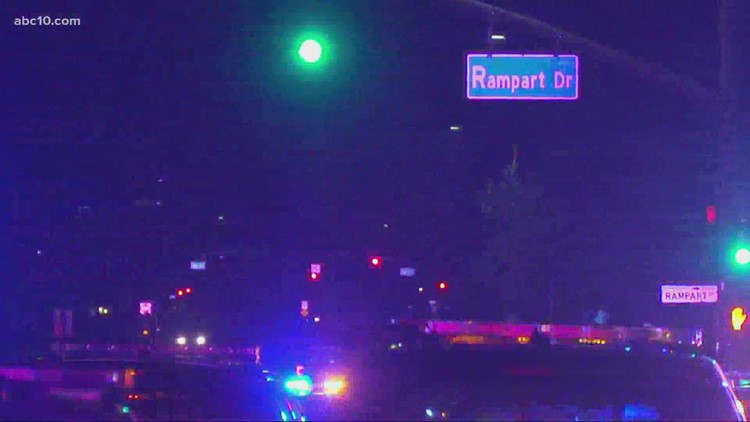 Officer, suspect shot in Carmichael neighborhood