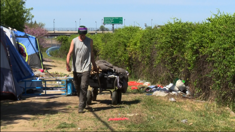 City of Elk Grove handing out gift cards to keep homeless camps clean