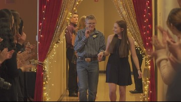 Students treated like 'royalty' at special needs prom in Elk Grove