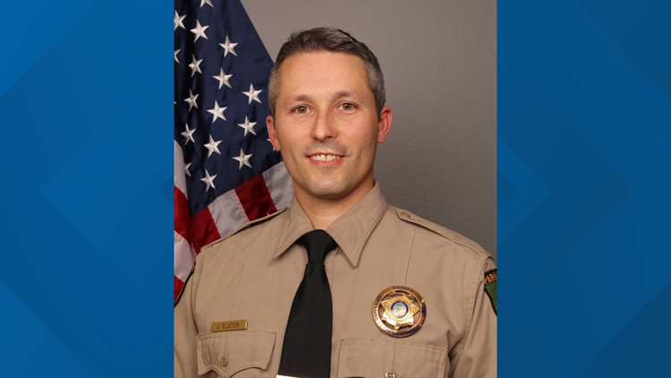 Off-duty Sacramento parks ranger helps stop knife-wielding man in Auburn library attack