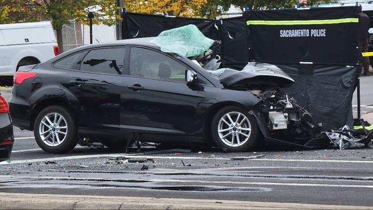1 dead in crash involving 3 vehicles in Sacramento, police say