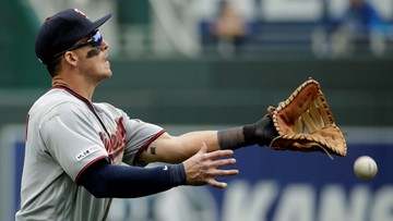 Giants acquire outfielder, first baseman Austin from Twins