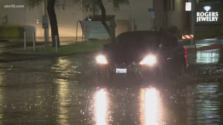 Flooded roads in Modesto causing concern of hydroplaning