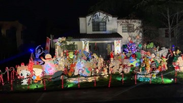 South Oak Park wants to be a 'destination place' for Christmas decorations