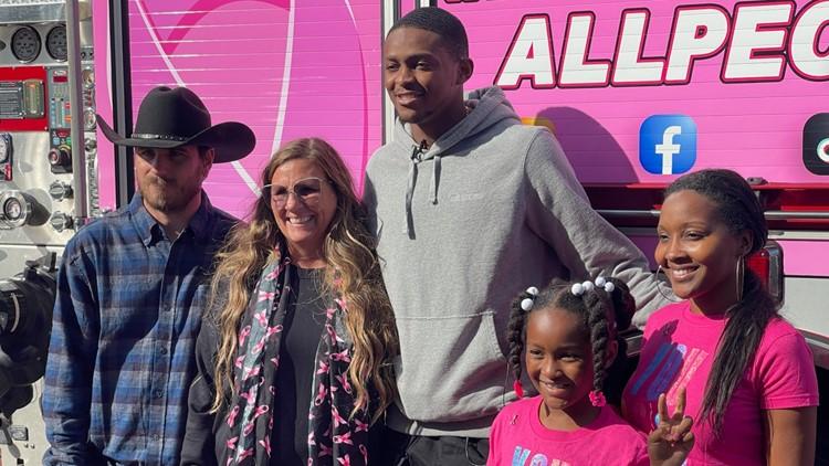 De'Aaron Fox surprises breast cancer survivors, fighters with Kings tickets