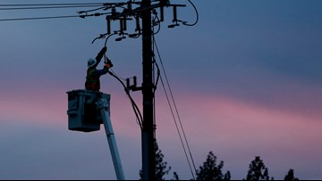 PG&E warns it could cut power to cities for days