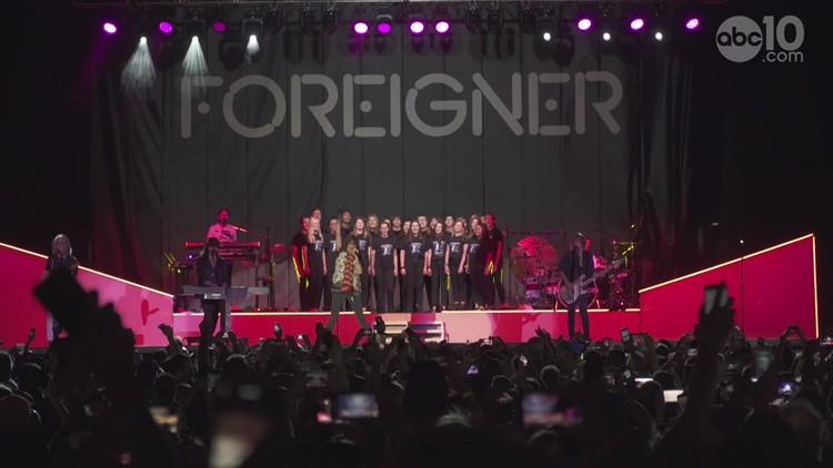 Rocklin High School choir and Foreigner perform 'I Want to Know What Love Is' | RAW