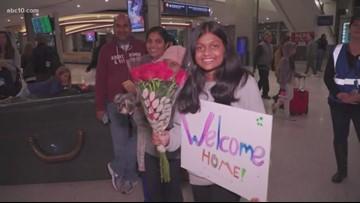 Thanksgiving travelers pack Sacramento airport